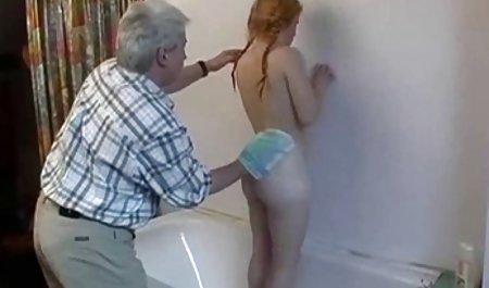 Щаслива зі своїм порно відео зі зрілими українськими жінками молодим коханцем